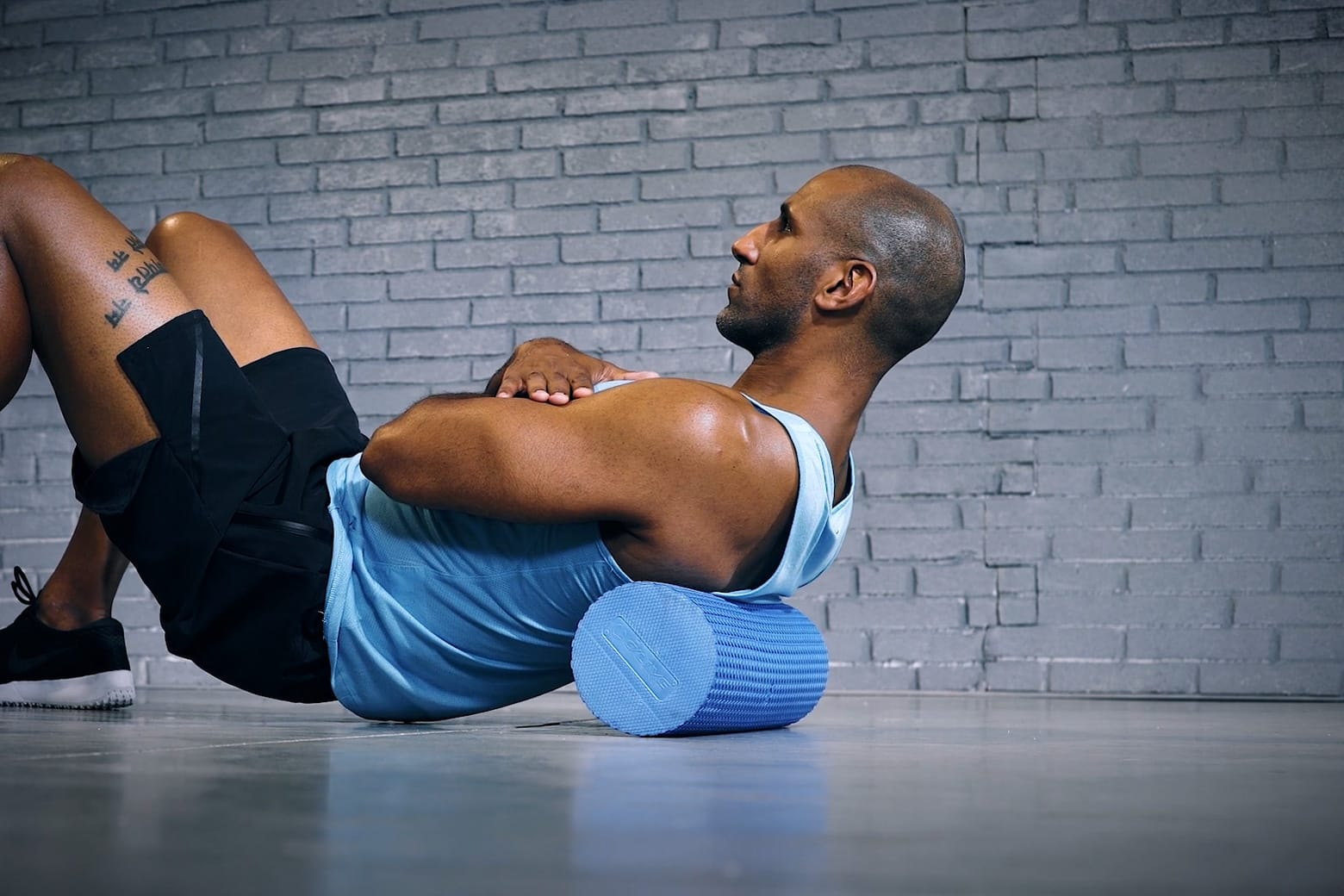 Tutorial: Foam Roll For The Upper Back / Faszienrolle für den Oberen Rücken